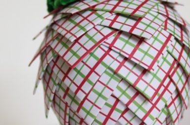 Pigna natalizia con polistirolo e cartoncino