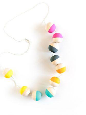 Collana Sfere di Legno Colorate