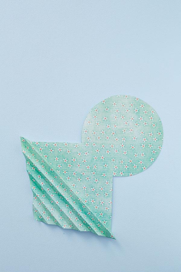 realizzare-decorazioni-di-carta