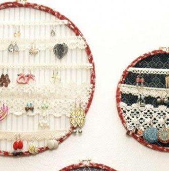 Telai da ricamo per sistemare gioielli