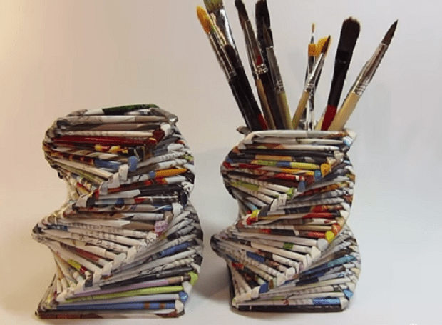 Portapenne con riviste riciclate passion diy for Costruire tartarughiera in vetro