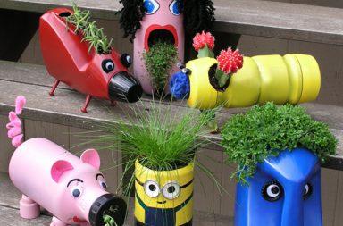 Vasi creativi con flaconi riciclati