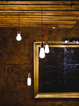 Riciclo non solo di materiali, ma anche d'idee – lampade di design fai da te
