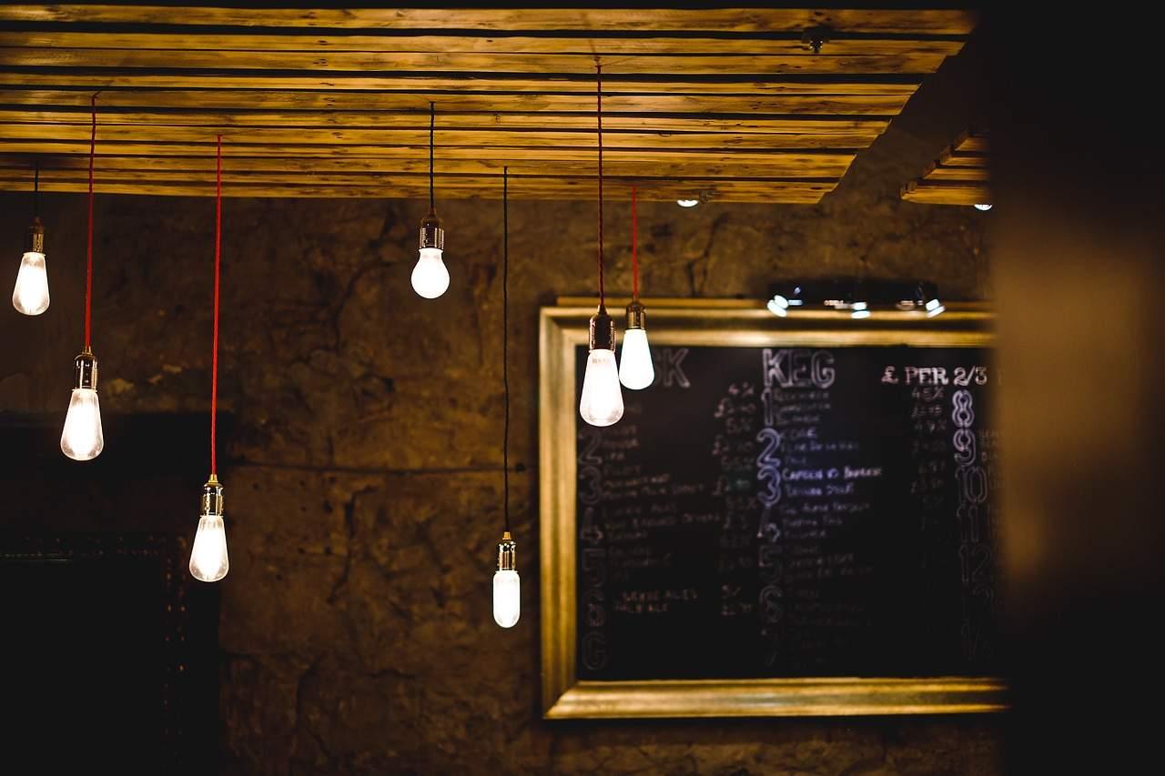 Riciclo non solo di materiali ma anche didee lampade di design